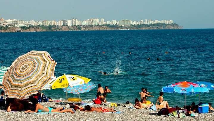 Россиянам предложили заменить отдых в Египте на турецкую Анталию