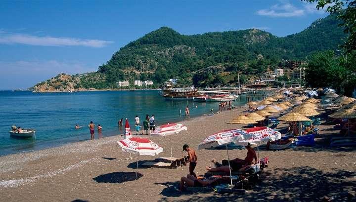 Курорты Туниса и Турции могут закрыться для россиян, как потенциально опасные