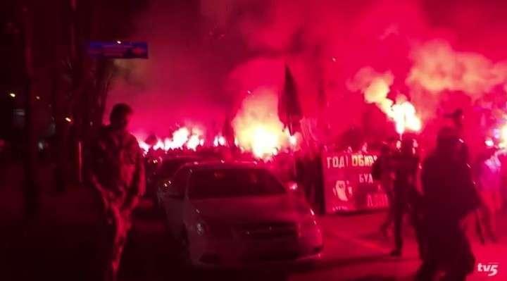 Националисты прошли маршем по Запорожью под лозунгом: «Убей москаля!»