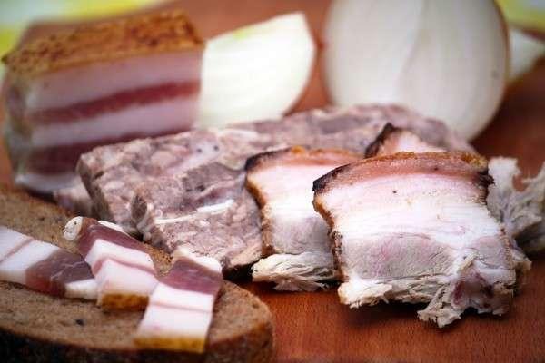 Евросоюз попросит РФ ослабить эмбарго на мясную продукцию