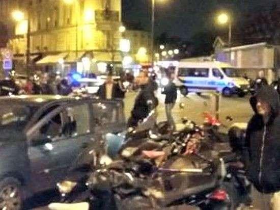 Теракты в Париже, десятки жертв, заложники и взрывы: онлайн-трансляция
