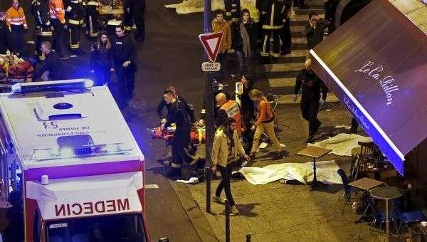 На месте теракта в Париже. 14.11.2015
