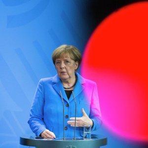 Экс-премьер Польши назвал Меркель «самым большим вредителем Европы»