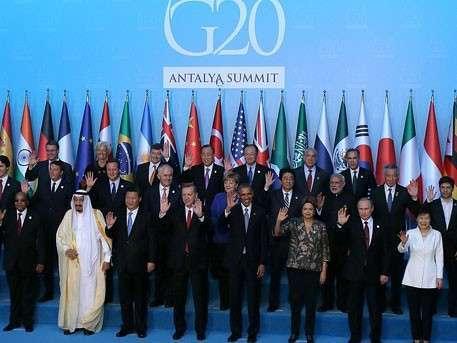 Крепкое рукопожатие и конструктивный диалог: чем запомнится первый день G20