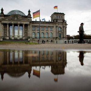 Депутат бундестага призвала Европу прекратить поддерживать войны США