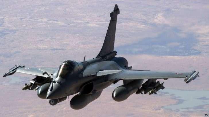 Франция бомбит ИГИЛ, США ждут отказа России от поддержки Асада