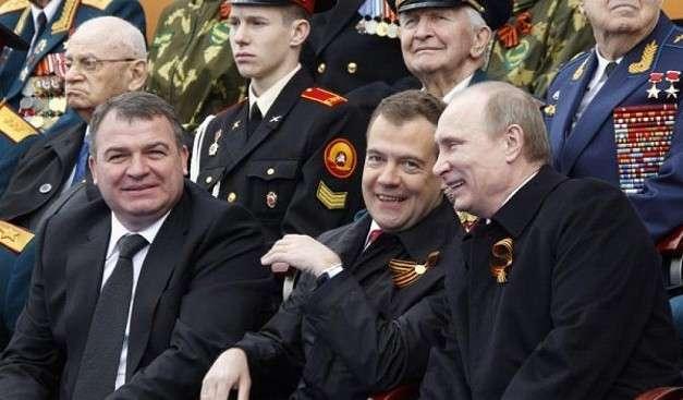 Анатолий Сердюков, Дмитрий Медведев, Владимир Путин
