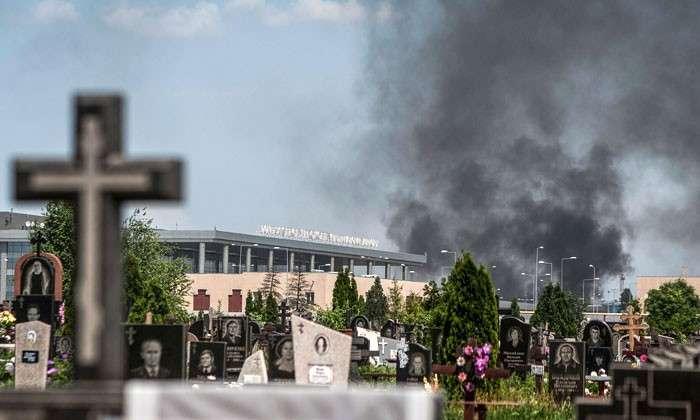 Донецкая республика: борьба за воздух. Уже на следующий день после выборов ВВС Украины атаковали аэропорт