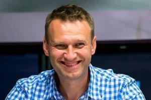 Навальный - великовозрастный болван - решил поиграть в газетчика