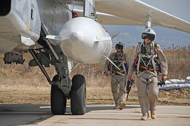 Российские пилоты сбитого Су-24 захвачены турецким спецназом