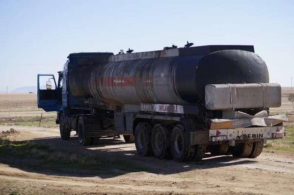 на обломках очередного разбомбленного конвоя из бензовозов были обнаружены занятные опознавательные знаки