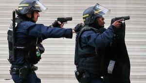 Операция по освобождению заложников во французском Рубе завершена