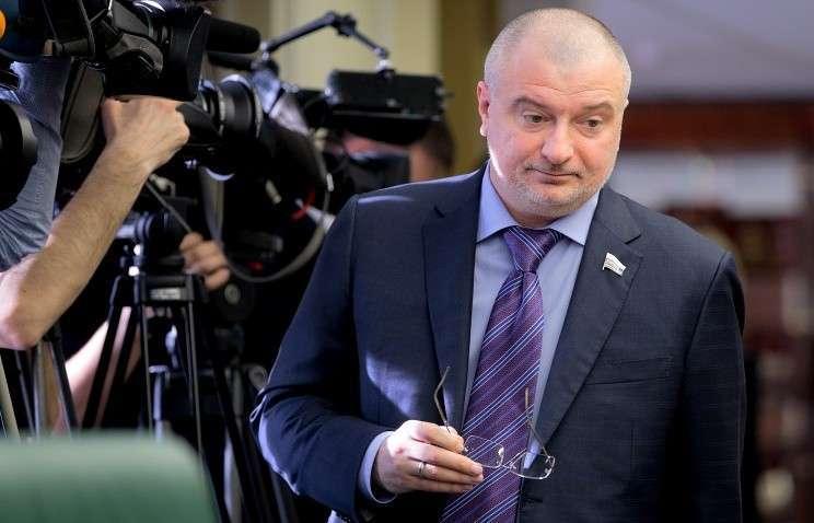Глава конституционного комитета Совфеда заявил о нелигитимности нового президента Украины