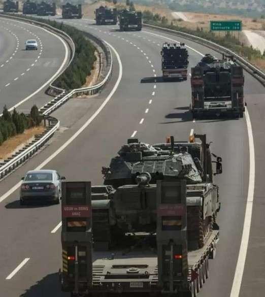 Турки перебросили к сирийской границе более 1000 единиц техники