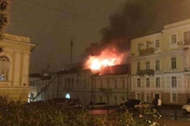 В Одессе сожгли волонтёрский центр карателей
