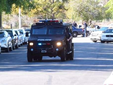 Устроившие стрельбу в Калифорнии были в масках и вооружены винтовками