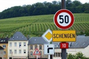 Европа закрывает Шенгенскую зону: скакальщики в ауте