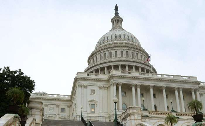 Валютный курс революции. Конгресс США готовится повторить «киевский сценарий» в Москве