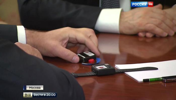 Новинки «Ростеха»: Путину показали самый маленький компьютер, датчик и шифратор