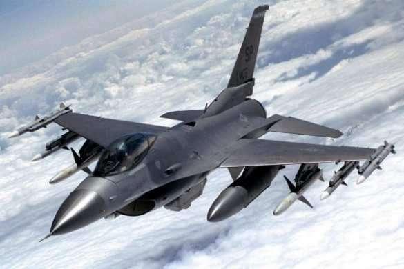 Самолёты неизвестной страны атакуют позиции САА и убивают сирийских солдат