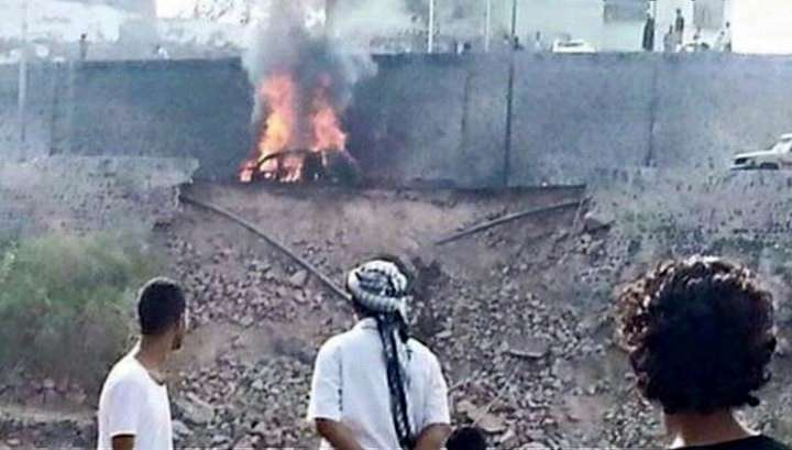 Машину мэра города Аден сожгли из гранатомета: погибли семеро