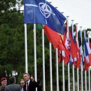 США идут в наступление в борьбе за Балканы с Россией