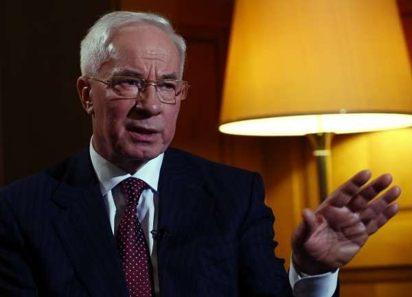 Николай Азаров: Порошенко либо абсолютно неадекватен, либо патологически брехлив