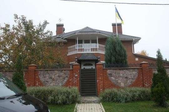 Куда киевские революционеры не водят экскурсий. Роскошные имения лидеров «евромайдана»