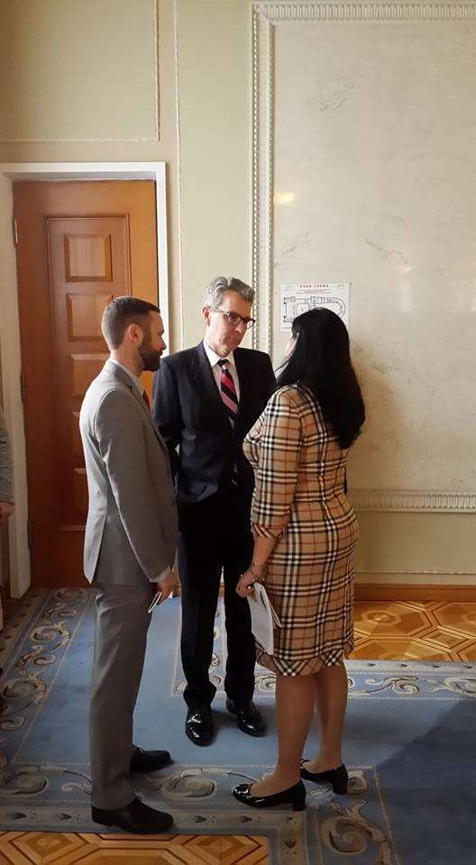 Посол США Пайетт безцеремонно руководит украинской Хунтой