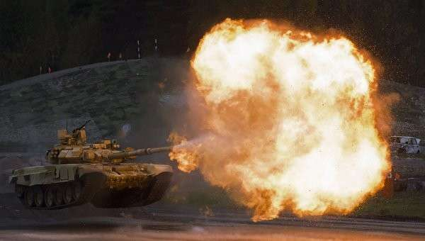 Танк Т-90А во время демонстрационных стрельб на 10-й международной выставке Russia Arms Expo. Архивное фото