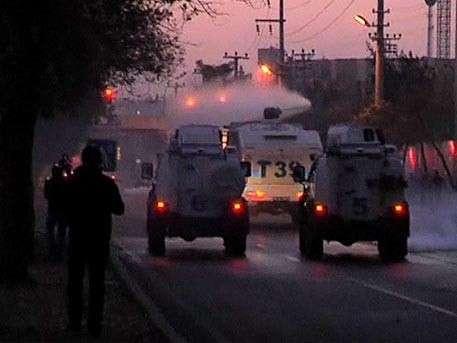 Антиправительственную демонстрацию в Турции разогнали слезоточивым газом и водомётами