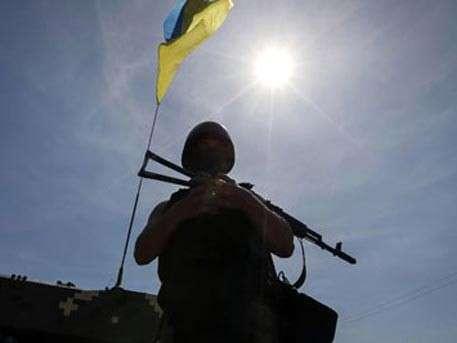 Солдаты Хунты занимаются мародёрством в Донбассе