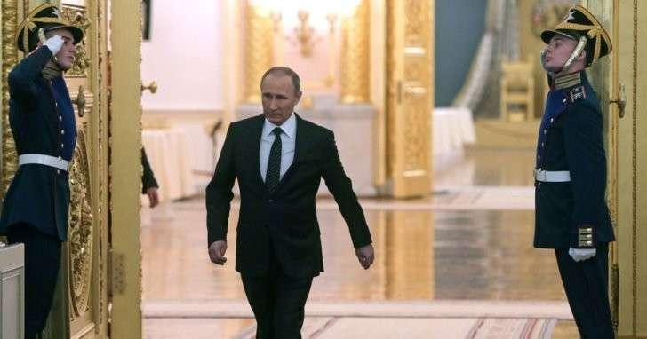 Владимир Путин проводит бескровную чистку элиты в России