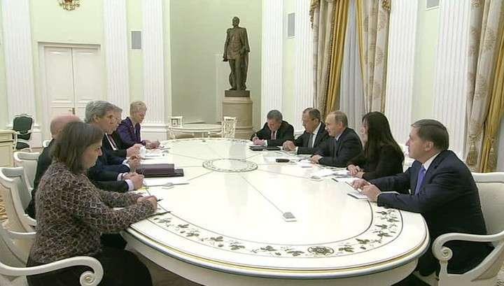 Керри на встрече с Владимиром Путиным поблагодарил Россию за сотрудничество