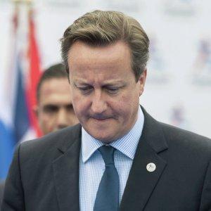 Дэвида Кэмерона «потроллили» в соцсетях из-за фото с телевизором