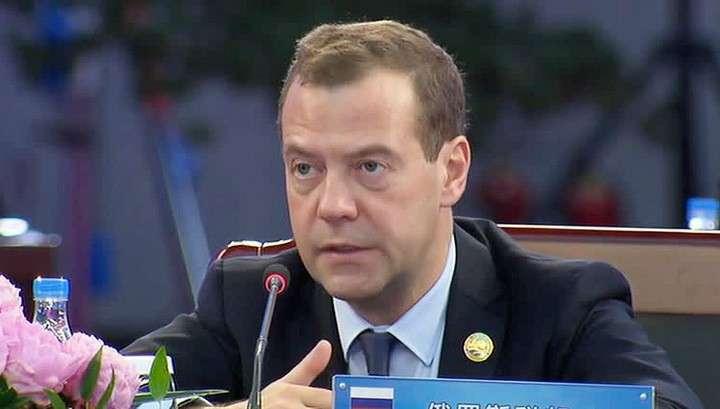 Дмитрий Медведев поинтересовался: «Куда делись специалисты с завода Звезда?»