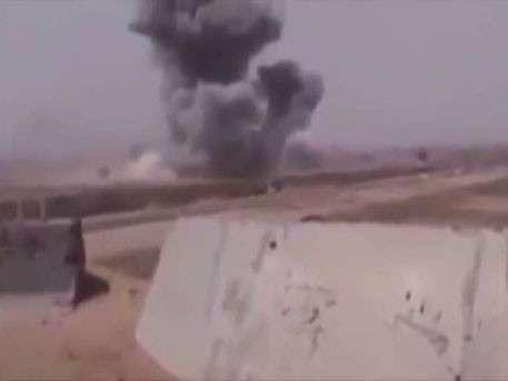 СМИ показали видео, предположительно, авиаудара США по иракским войскам