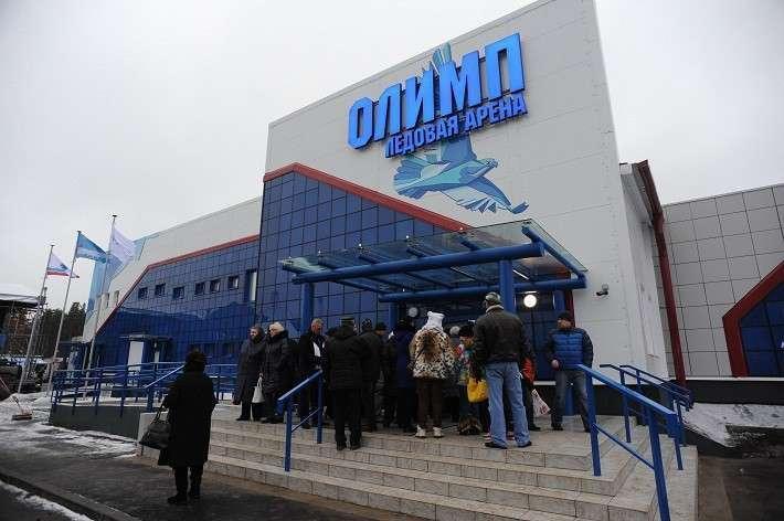 Новая ледовая арена открыта в Ленинградской области
