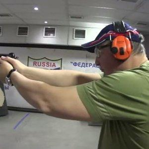 Дмитрий Рогозин оказался крутым мужиком и показал своё мастерство в стрельбе «по-македонски»