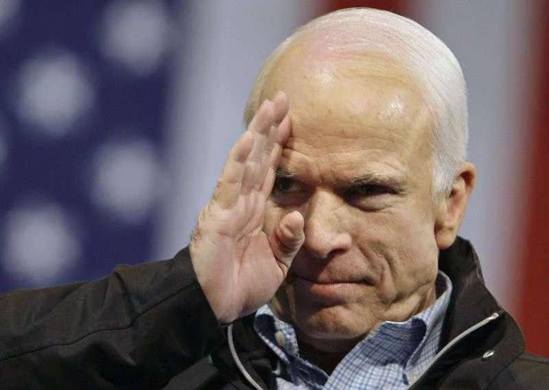 Маккейн собрался отдемократизировать Россию