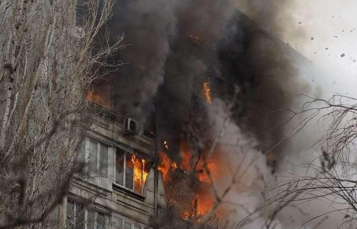 Очевидцы сняли на видео, как в Волгограде прогремел второй взрыв