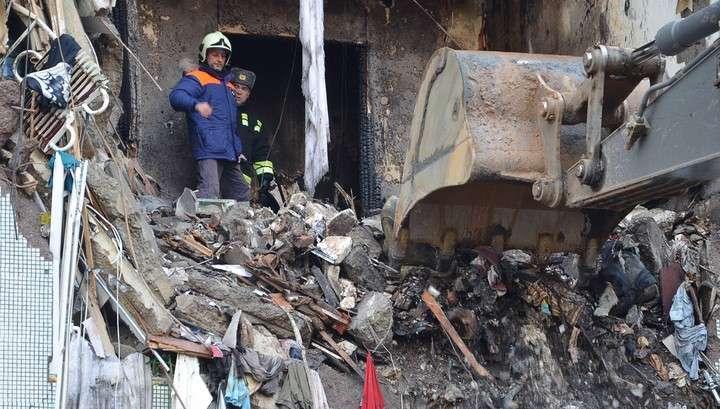 Три взрыва в волгоградском доме: дом может обрушиться, спасатели ищут погибших
