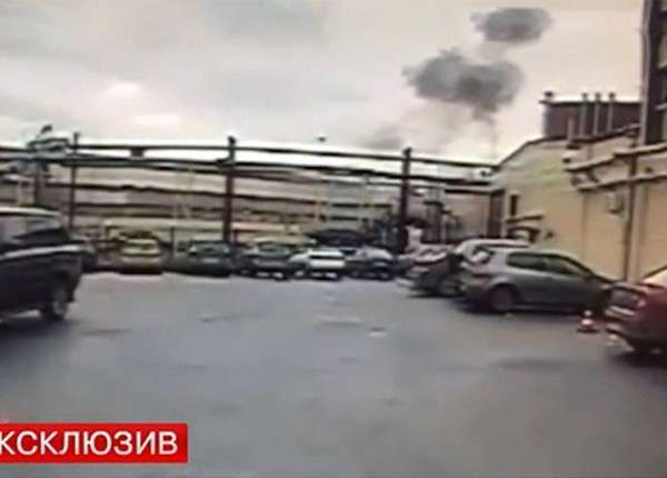 Опубликовано видео момента взрыва газа на заводе в Санкт-Петербурге
