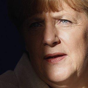 Меркель поделилась данными о России с главами спецслужб Британии