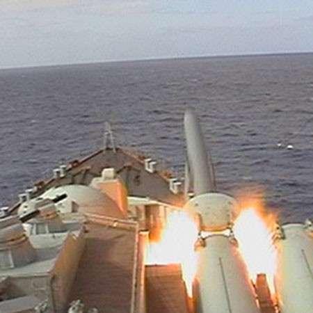Загнать и потопить авианосец стаей ракет: некоторые возможности комплекса П-500 «Базальт»