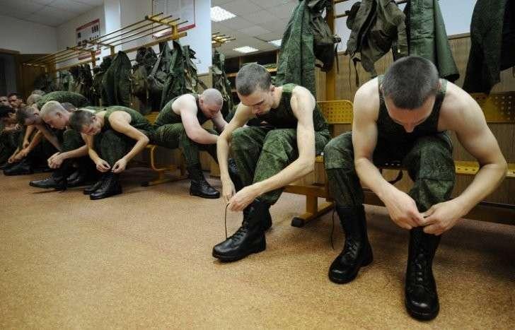 Минобороны РФ отберёт свыше 30 тысяч человек на службу по контракту в 2016 году