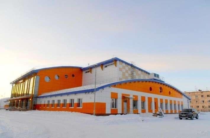 Ледовый дворец «Надым» принял первых спортсменов