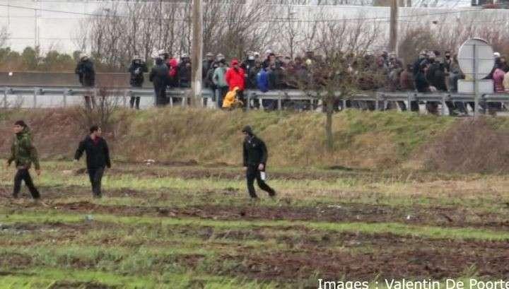 Во Франции мигранты попытались захватить Евротоннель
