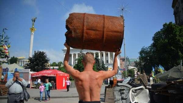 Обитатель палаточного городка на Площади Независимости в Киеве