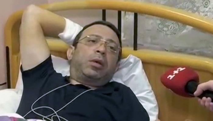 Очередного несчастного, больного еврея Корбана привезли в суд на скорой